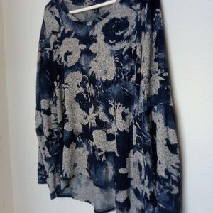 Vera Wang Knitted Ruffle Sleeve Blue Gray Knit Top